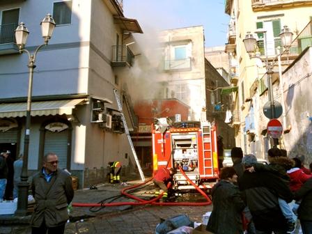 Portici. Incendiate tre auto a Via Paladino
