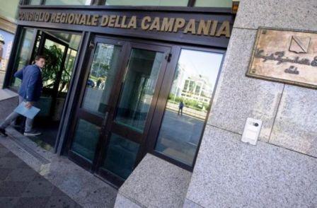 """Acqua, Gallo (M5S): instaurato """"regime De Luca"""" in Regione Campania, Pd fucila la democrazia"""