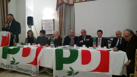 Dopo l'arresto di Tammaro il centro destra nella bufera. Gli stati generali del Pd lanciano Salvatore Grillo a sindaco, ma si rischia di rinviare le elezioni