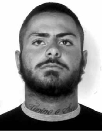 Come i killer messicani: il tatuaggio del boss sul collo. Arrestato Christian Marfella, il fratello del boss Antonio De Luca Bossa