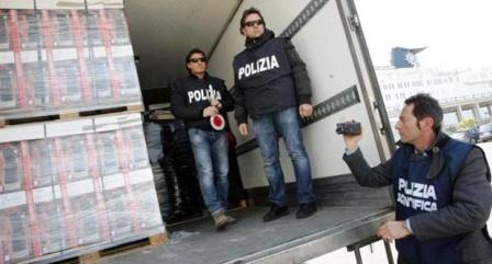 Napoli, sigarette sequestrate al porto a poca distanza dalle navi da crociera