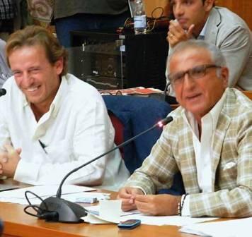 Sfida a distanza e polemiche tra Francesco Emilio Borrelli e il sindaco di Sant'Anastasia Carmine Esposito