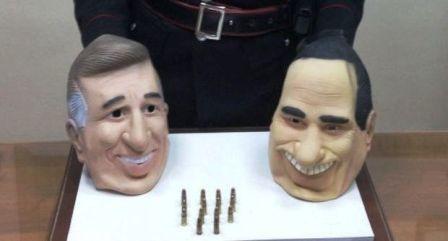 Napoli, maschere di Fini e Berlusconi arrestato: sarebbero servite per rapine