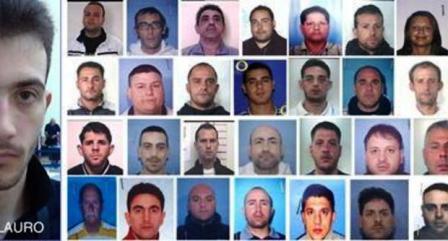 Cento arresti nella notte, carabinieri in azione a Napoli e provincia. Raffaele Di Lauro era in viaggio per festeggiare il compleanno della compagna