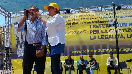 """Marco Pannella: """"Napolitano chieda amnistia"""", da Napoli via alla raccolta di firme per 12 referendum radicali"""