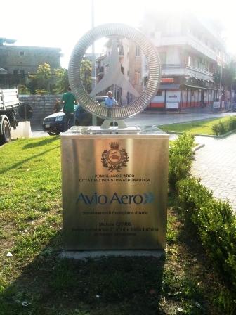 """Il rilancio di Pomigliano d'Arco: I simboli della città industriale in strada. Lello Russo: """"Presto anche pezzi delle Fiat che hanno reso grandi la città"""""""