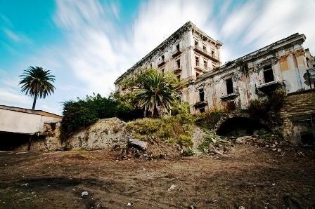Villa d'Elboeuf salvata dal Comune. Per poco più di 4 milioni di euro la storica villa potrà diventare patrimonio comunale, ma è polemica