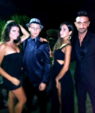 Soirèe Noir Party, tutte le stelle del Vesuvio al compleanno super chic di Alessio Giglio