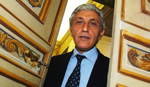 """Antonio Bassolino sul Pd: """"A Napoli il partito è in sala di rianimazione. Mi auguro che Renzi accenda un fiammifero e apra il discorso"""""""