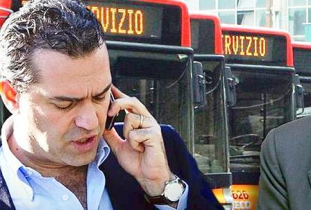 """De Magistris e il ritorno di Bassolino """"Se questo è il nuovo che avanza…"""" Il sindaco ironizza su una ipotetica candidatura dell'ex governatore: """"Sarei rincuorato…"""""""