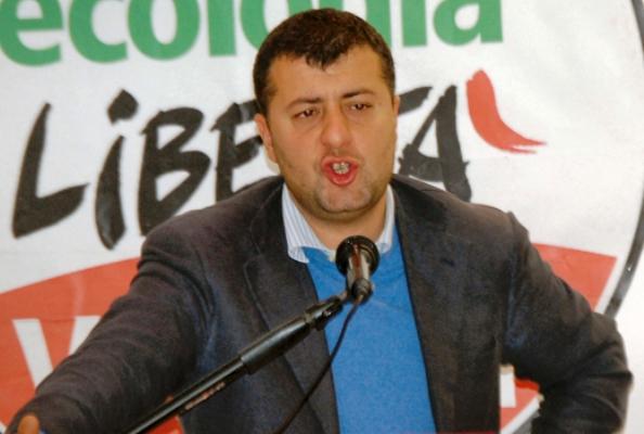 PUC E POLEMICHE – A Volla gli stati generali di Sel per difendere l'ex assessore Riccardo Festa