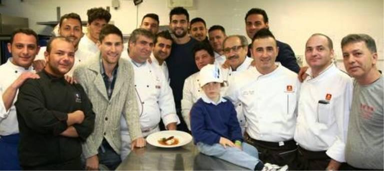I giocatori azzurri Albiol e Fernandez alla cena di beneficenza per l'Unitalsi