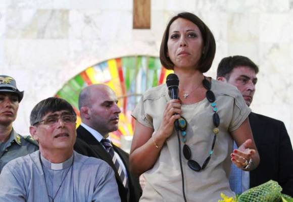 Nunzia De Girolamo convoca i dirigenti Ncd a Napoli: tutto in alto mare in attesa del confronto tavolo di confronto delegazioni Ncd-Fi