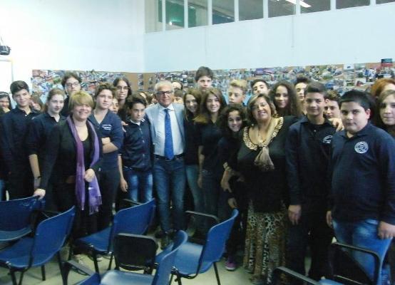 All'Istituto COmprensivo Mario De Rosa, gli studenti a lezione dal sindaco Carmine Esposito
