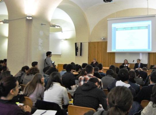 Dipartimento di Scienze Sociali dell' Università Federico II di Napoli organizza un seminario su Comunicazione, marketing e le professioni del digitale