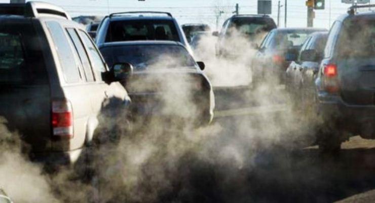 Troppo smog in città, domani stop alle auto sull'intero territorio cittadino