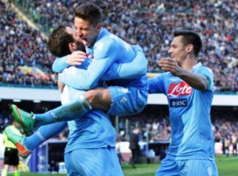Napoli-Sampdoria 2-0. Doppietta di Mertens