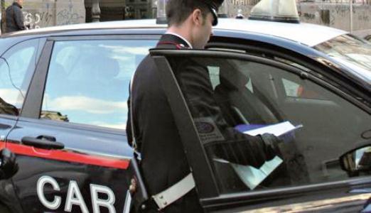 Pomigliano d'Arco – Sei lavoratori su sette lavorano in nero. Negozio chiuso e multa di 50mila euro