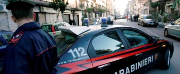 GLi uomini dell'arma arrestano un 39enne: rapinava smartphone ai ragazzini su Viale Alfa