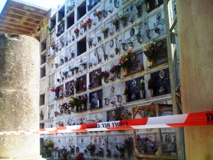 I carabinieri indagano nella vita di Aniello Maione, il pensionato ammazzato al cimitero con quattro fendenti