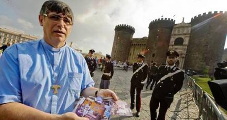 """Le mamme """"delle cartoline"""" e don Patriciello dal Presidente Napolitano"""