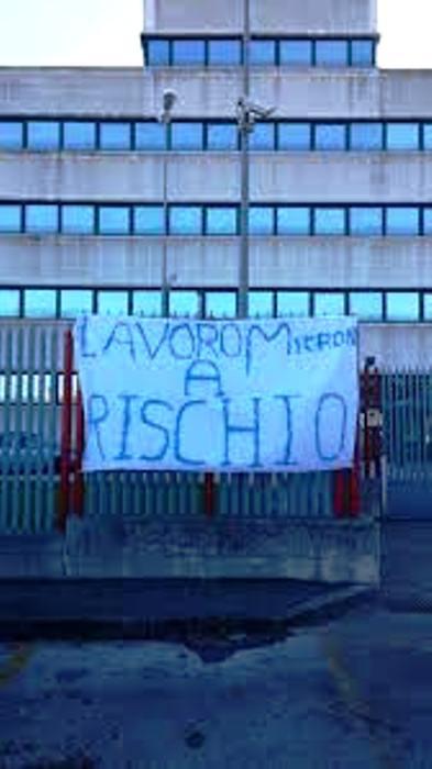 La Rsu ed i lavoratori di Micron manifestano contro gli esuberi
