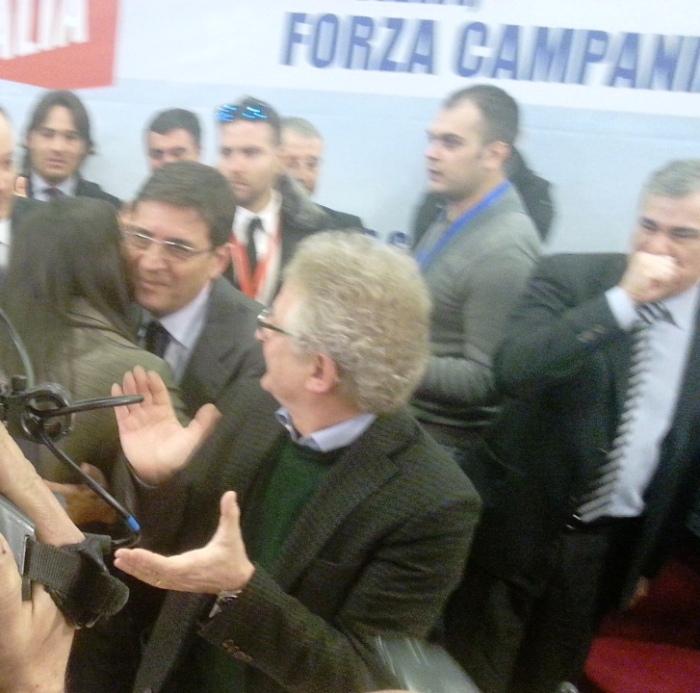 Forza Campania, applausi e cori per Nicola Cosentino