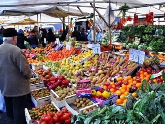 San Giorgio a Cremano.In piazza Massimo Troisi, ritornano i mercatini dei prodotti tipici di Confagricoltura