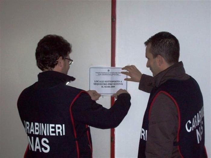 Blitz dei Carabinieri nei panifici di Napoli, verifiche anche su eventuali tracce di radioattività nel pane