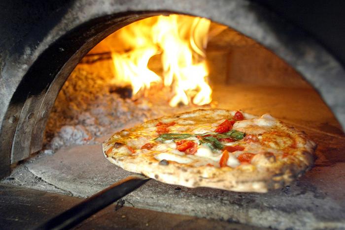 Pizza per tutti e flash mob in Regione
