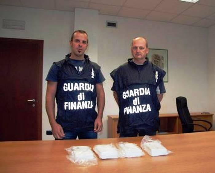 Traffico internazionale di cocaina, arrestato insospettabile medico di Poggiomarino