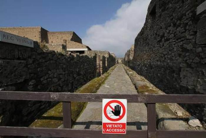 Due intrusi di notte agli scavi di Pompei, rilevati dalle telecamere