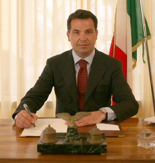 """Forza Campania presenta il suo simbolo. De Siano (Forza Italia): """"Bene il riconoscimento leadership di Berlusconi, coerenza però vorrebbe loro scioglimento"""""""