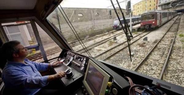 Circumvesuviana, l'inferno dei treni e dei capitreno che rifiutano lo straordinario