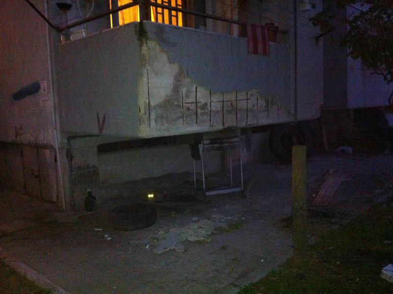 foto balconata cadente