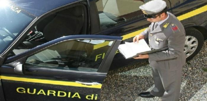 Maxi sequestro della Guardia di Finanza a Casoria, 1 mln di merce contraffatta