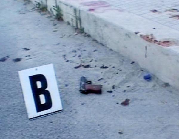 Agguato a Barra, dodici colpi contro un uomo: gravissimo. Tensioni all'ospedale Villa Betania