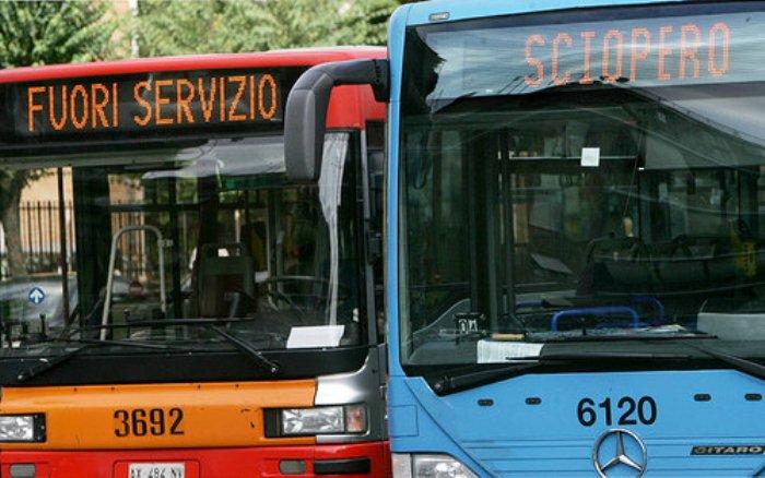 Napoli. Asfalto contro bus dell'Anm: nuova aggressione a Ponticelli
