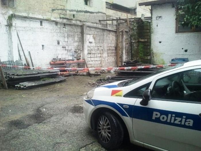 Pronto per essere immesso nei mercatini di quartiere: mega sequestro di cibo avariato a Napoli