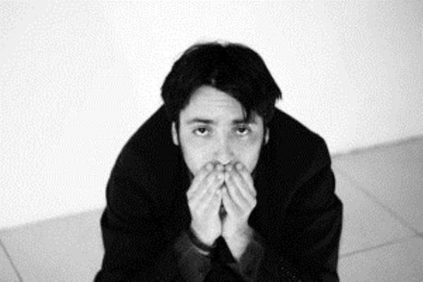 """Uscirà a maggio """"L'alba negata"""" (BulbArtWorks), il nuovo EP del cantautore napoletano Dilis"""