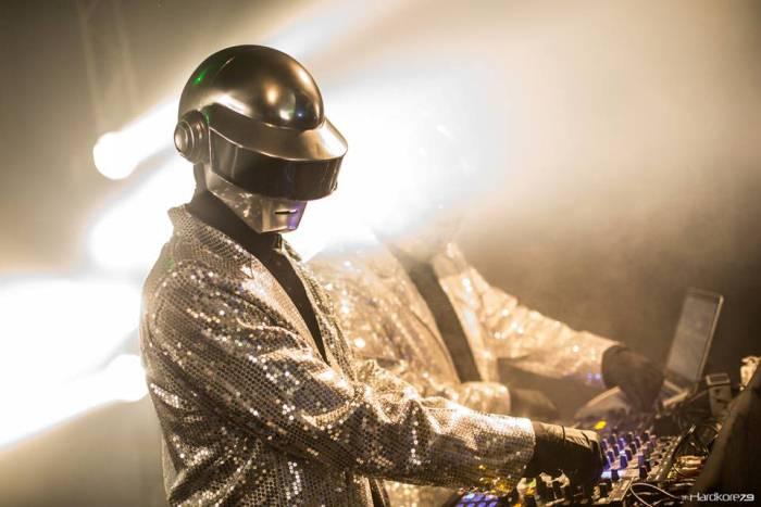 """Lovely presenta: """"BLASFEMIA: Non nominare il nome del DJ invano"""""""
