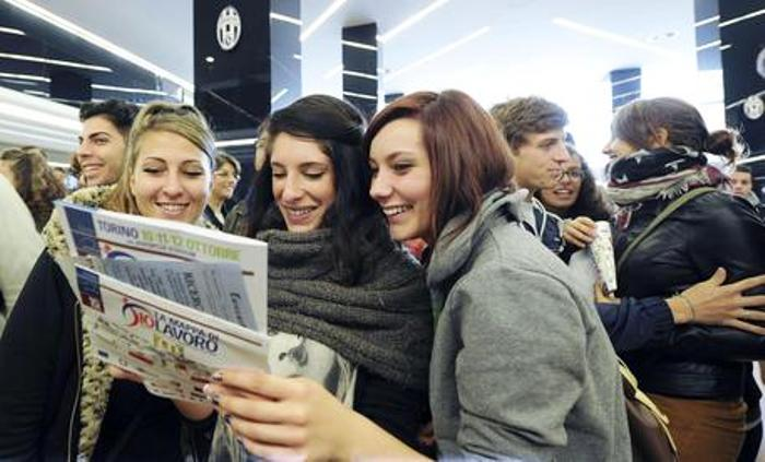 Garanzia Giovani, è boom in Campania: in cinque giorni iscritti oltre 5.000 ragazzi dai 15 ai 29 anni