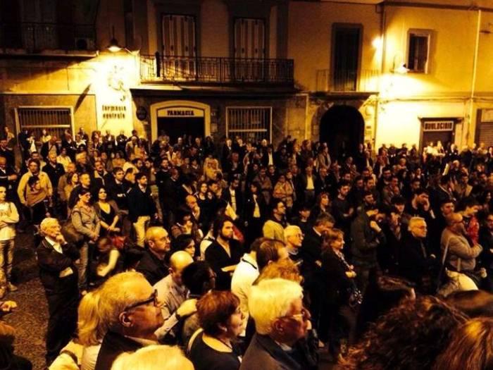 Bagno di folla per la presentazione del candidato sindaco del centrosinistra Giuseppe Auriemma