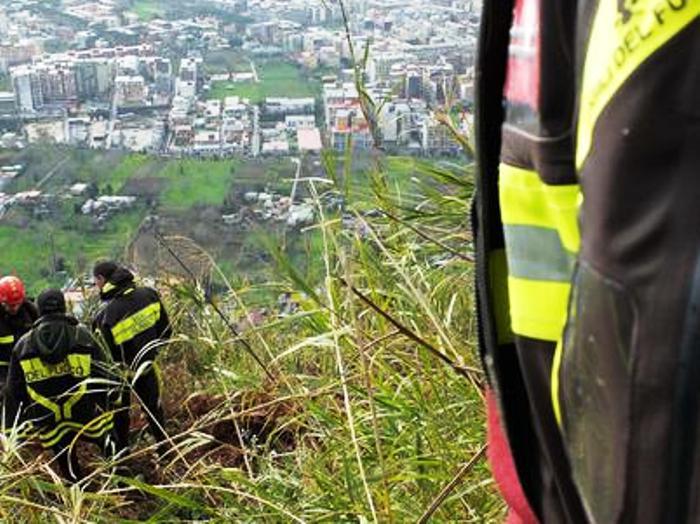 Cadavere trovato nel Parco del Vesuvio: ha una ferita alla testa da probabile caduta
