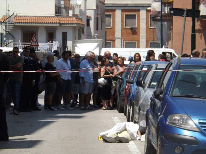 Portici. Morte dell'innocente Mariano Bottari: nessun fuoco incrociato, era un tentativo di rapina