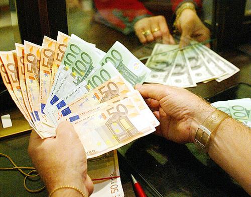 Cala il credito banche,cresce il rischio usura: maggiori rischi per Campania, Calabria e Abruzzo