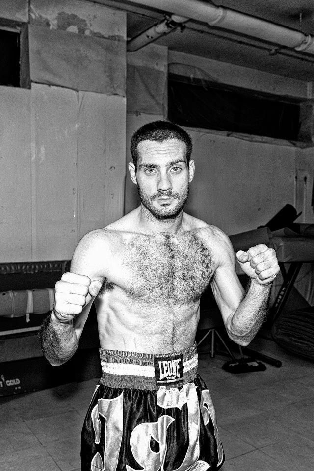 Dalla periferia di Portici ai prestigiosi ring della Thailandia: la storia del lottatore vesuviano Luca Cefariello