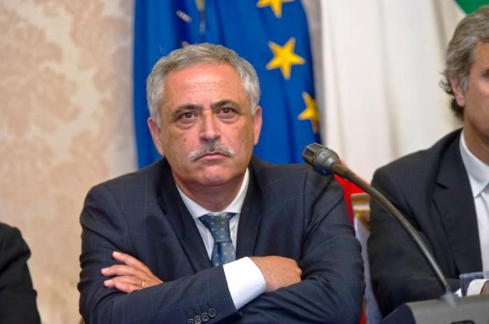 Contro gli usurai e gli estorsori , a Napoli se denunci non paghi le tasse per tre anni
