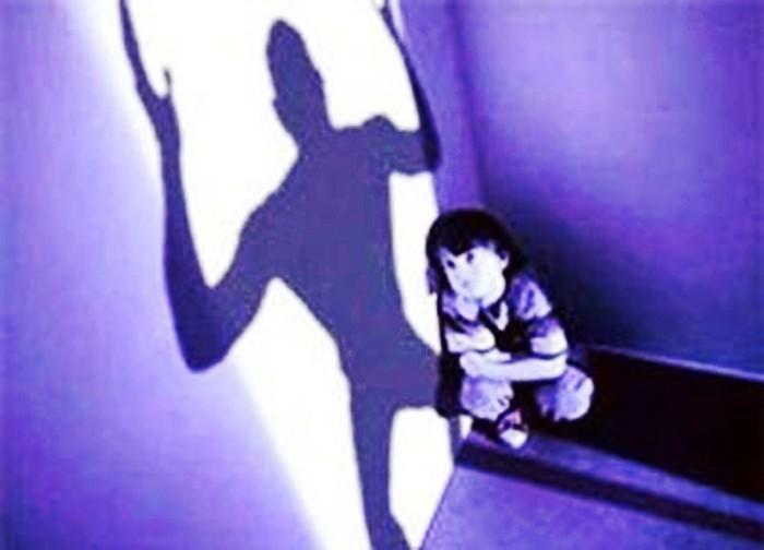 A Portici contatta minori sui social, identificato dalla polizia presunto pedofilo che utilizzava un falso profilo