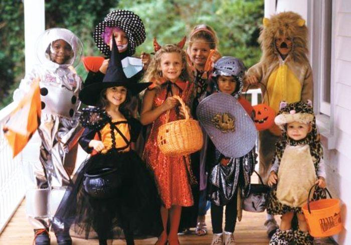 A Portici una festa in Chiesa per contrastare Halloween: preghiere al posto dei dolcetti e degli scherzetti